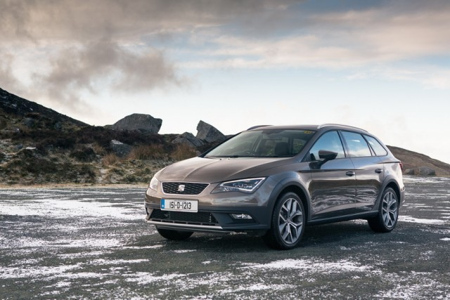 Car Reviews | SEAT Leon X-Perience | CompleteCar.ie