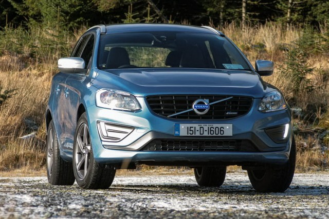Car Reviews | Volvo XC60 D4 R-Design | CompleteCar.ie
