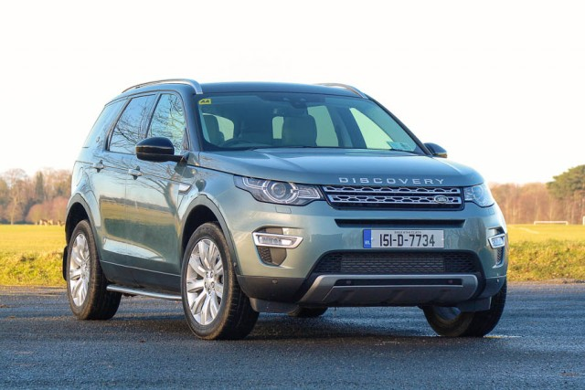 Car Reviews | Land Rover Discovery Sport | CompleteCar.ie