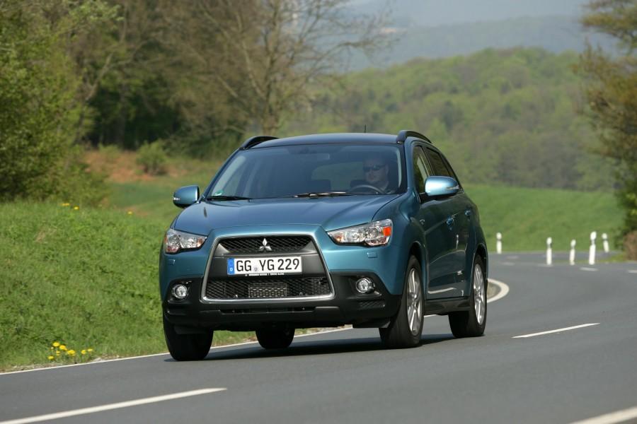Car Reviews | Mitsubishi ASX | CompleteCar.ie