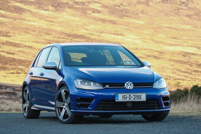 Car Reviews | Volkswagen Golf R | CompleteCar.ie