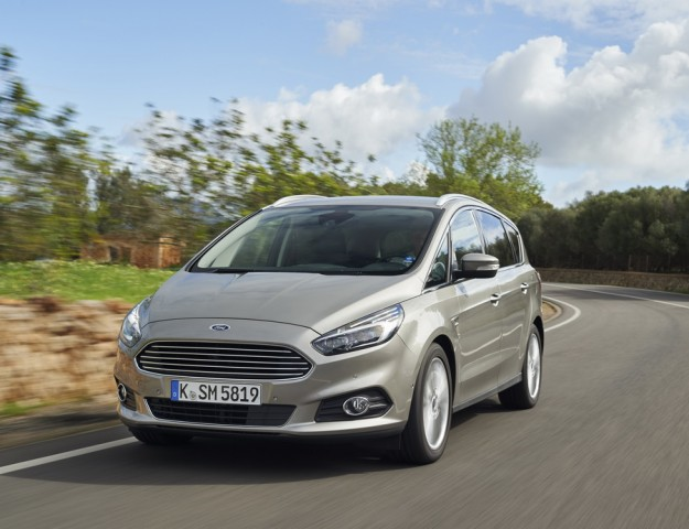 Car Reviews | Ford S-Max | CompleteCar.ie