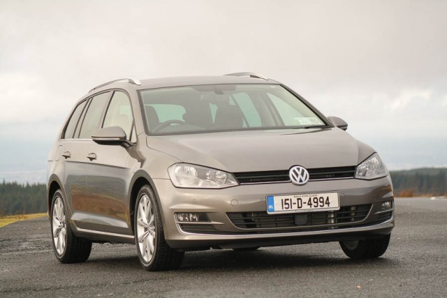 Car Reviews | Volkswagen Golf Estate | CompleteCar.ie