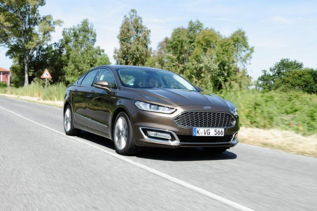 Car Reviews | Ford Mondeo Vignale | CompleteCar.ie