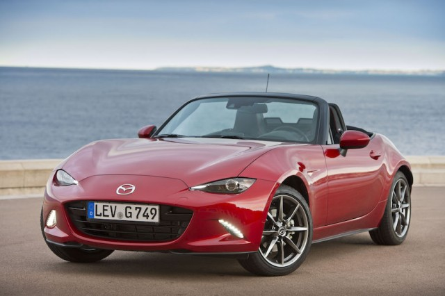 Car Reviews | Mazda MX-5 | CompleteCar.ie