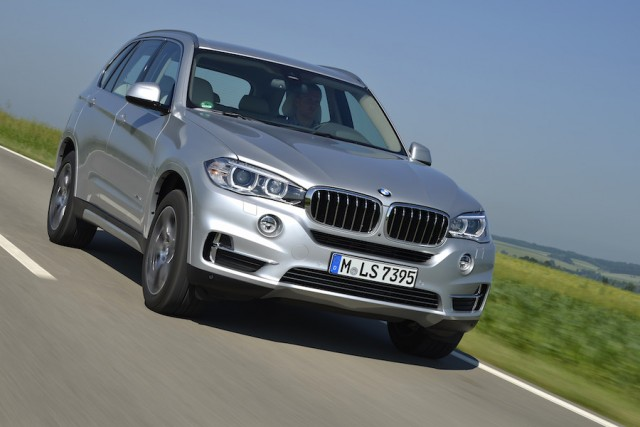 Car Reviews | BMW X5 xDrive40e | CompleteCar.ie