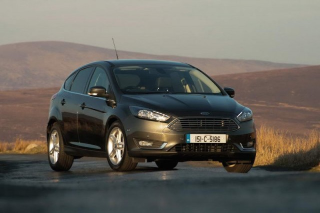 Car Reviews | Ford Focus 1.0 EcoBoost | CompleteCar.ie
