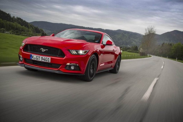 Car Reviews | Ford Mustang V8 Coupe | CompleteCar.ie