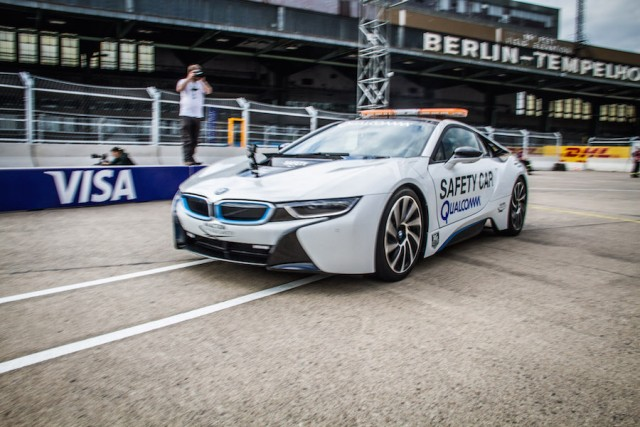Car Reviews | BMW i8 Safety Car | CompleteCar.ie