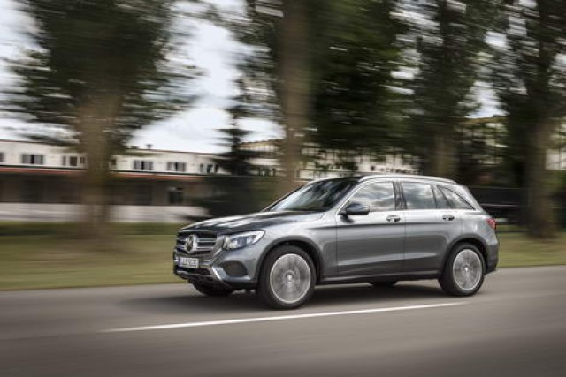 Car Reviews | Mercedes-Benz GLC 220d 4Matic | CompleteCar.ie