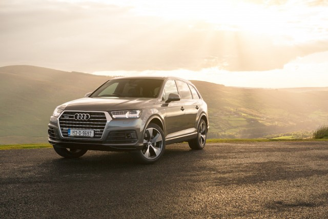 Car Reviews | Audi Q7 | CompleteCar.ie