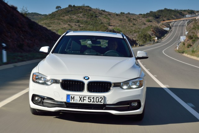 Car Reviews | BMW 320d EfficienctDynamics Plus Touring | CompleteCar.ie