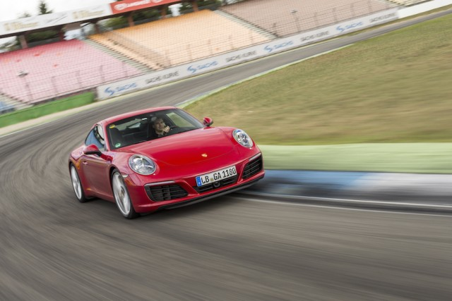 Car Reviews | Porsche 911 Carrera | CompleteCar.ie