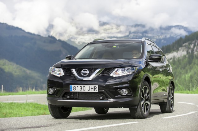 Car Reviews | Nissan X-Trail 1.6 DIG-T | CompleteCar.ie