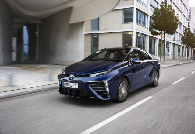 Car Reviews | Toyota Mirai | CompleteCar.ie