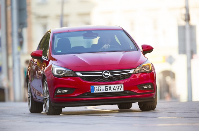 Car Reviews | Opel Astra 1.6 CDTi | CompleteCar.ie