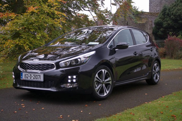 Car Reviews | Kia Ceed 1.0 T-GDI | CompleteCar.ie