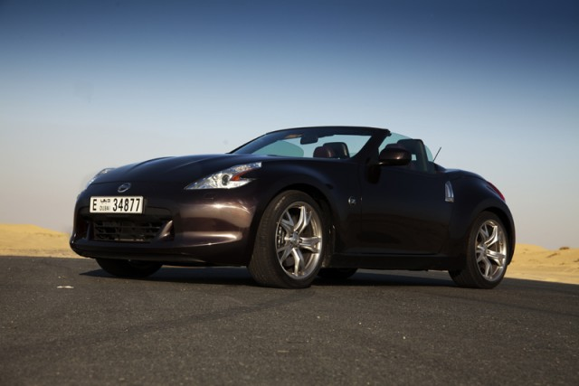 Car Reviews | Nissan 370Z Roadster | CompleteCar.ie