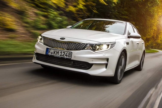 Car Reviews | Kia Optima | CompleteCar.ie
