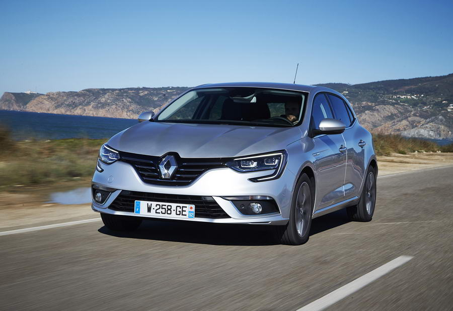 Car Reviews | Renault Megane dCi 130 | CompleteCar.ie