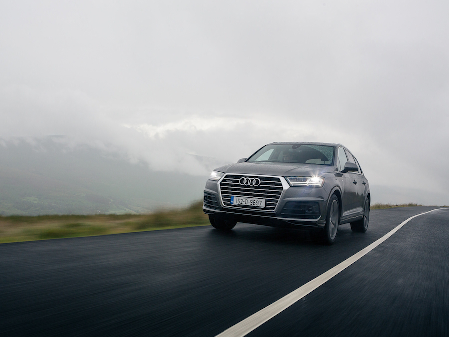 Audi Q Reviews News Test Drives Complete Car - Audi q7 reviews