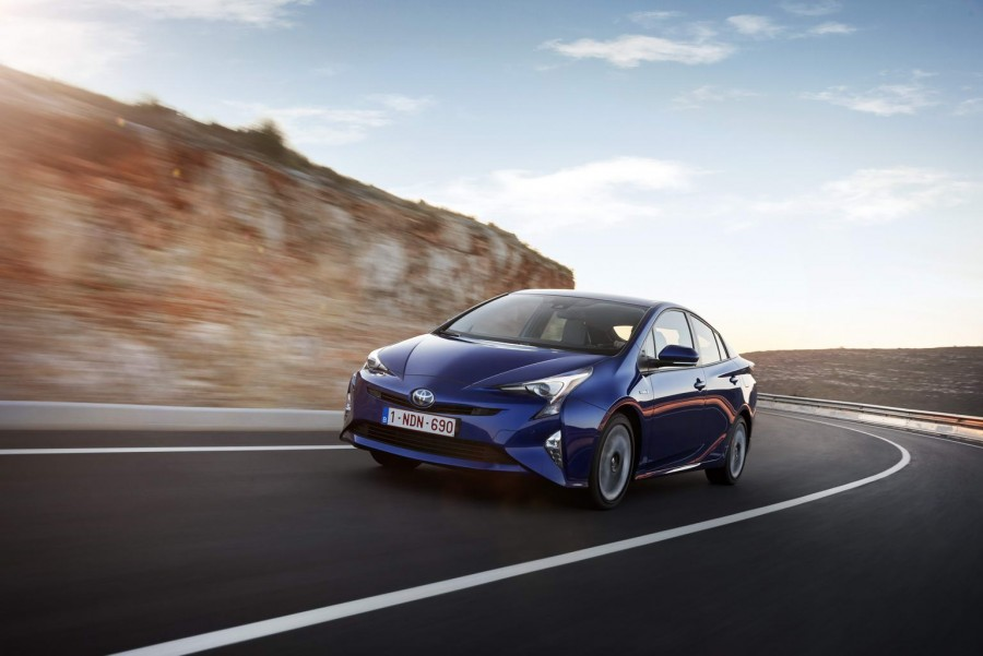 Car Reviews | Toyota Prius | CompleteCar.ie