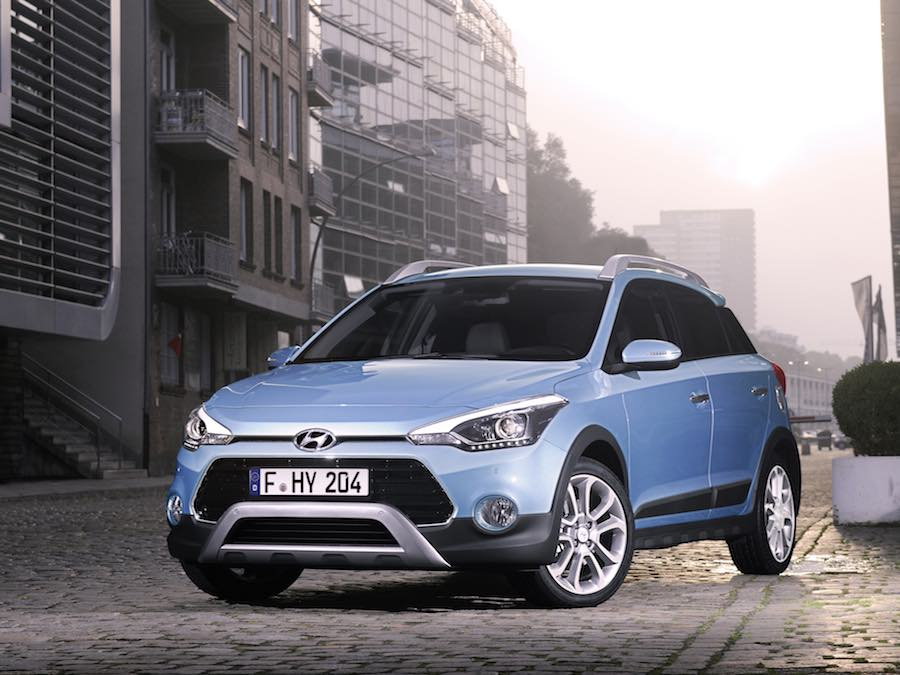 Car Reviews | Hyundai i20 Active | CompleteCar.ie