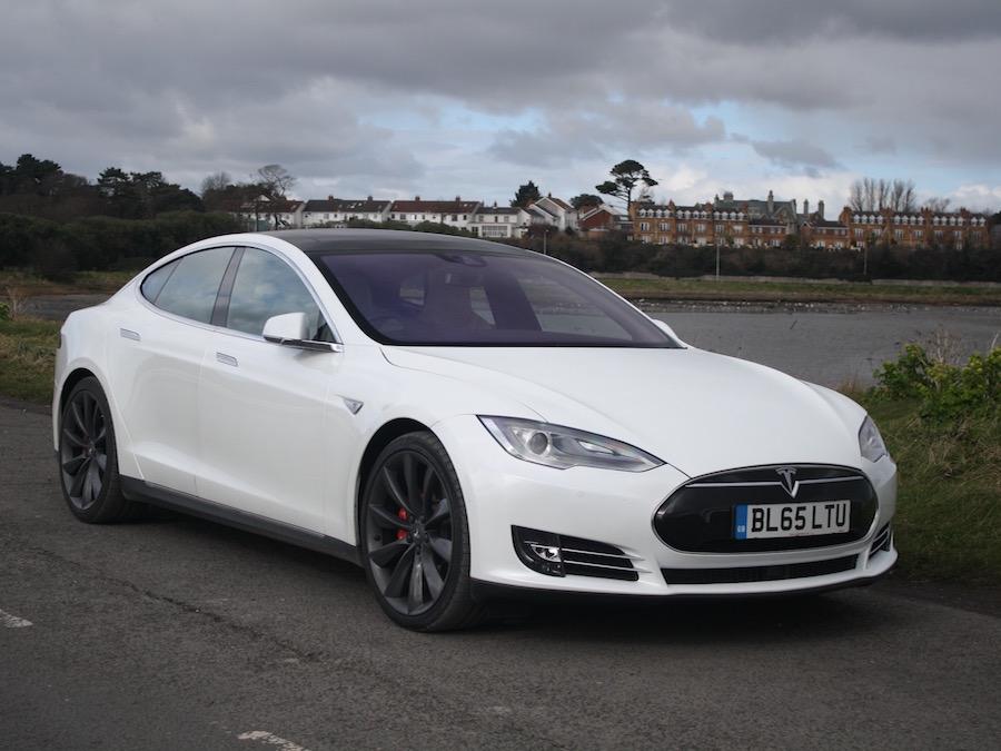 Tesla Model S P90D | Reviews | Complete Car