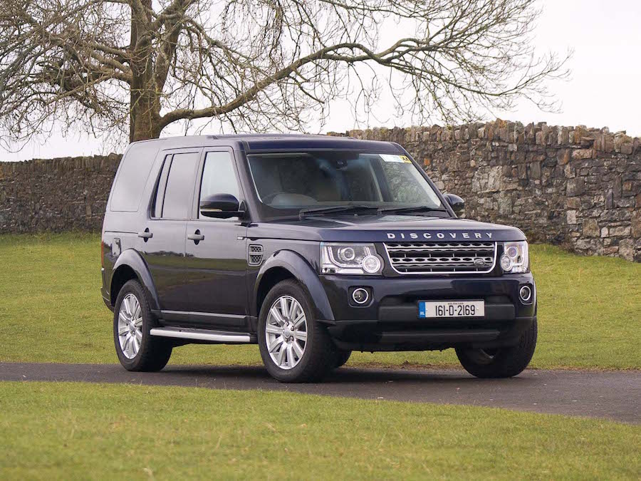 Car Reviews | Land Rover Discovery Commercial | CompleteCar.ie
