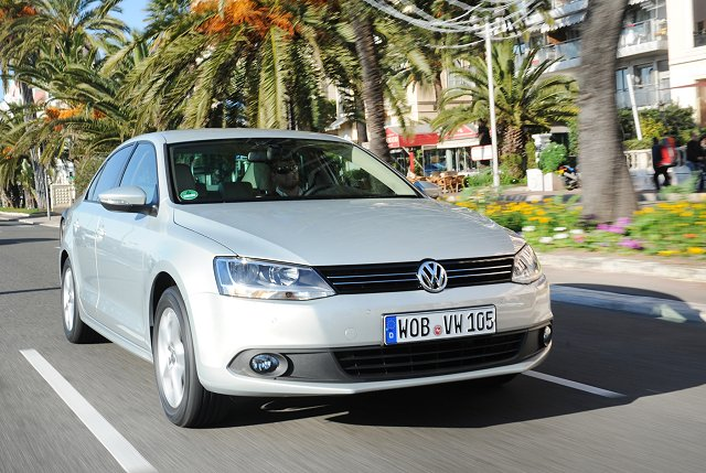 Car Reviews | Volkswagen Jetta | CompleteCar.ie