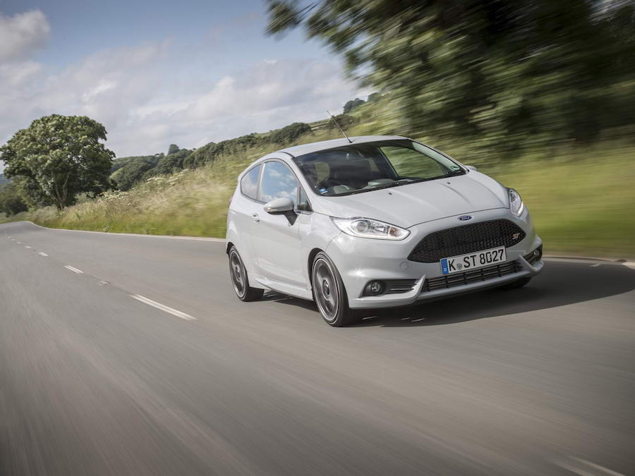Car Reviews | Ford Fiesta ST200 | CompleteCar.ie