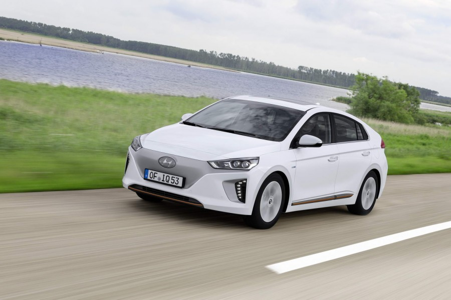 Car Reviews | Hyundai Ioniq | CompleteCar.ie