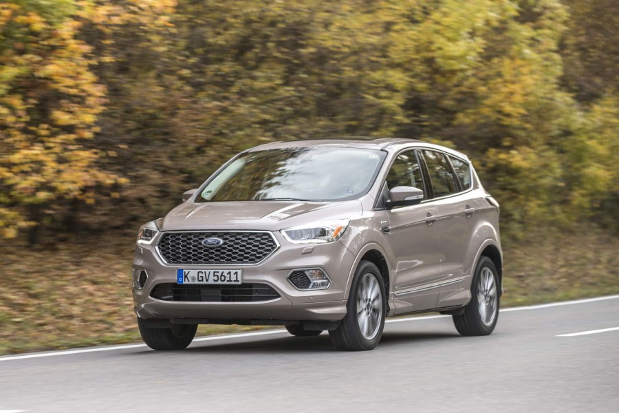 Car Reviews | Ford Kuga Vignale | CompleteCar.ie