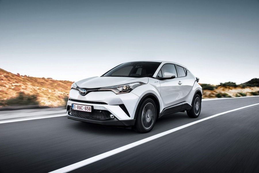 Car Reviews | Toyota C-HR Hybrid | CompleteCar.ie
