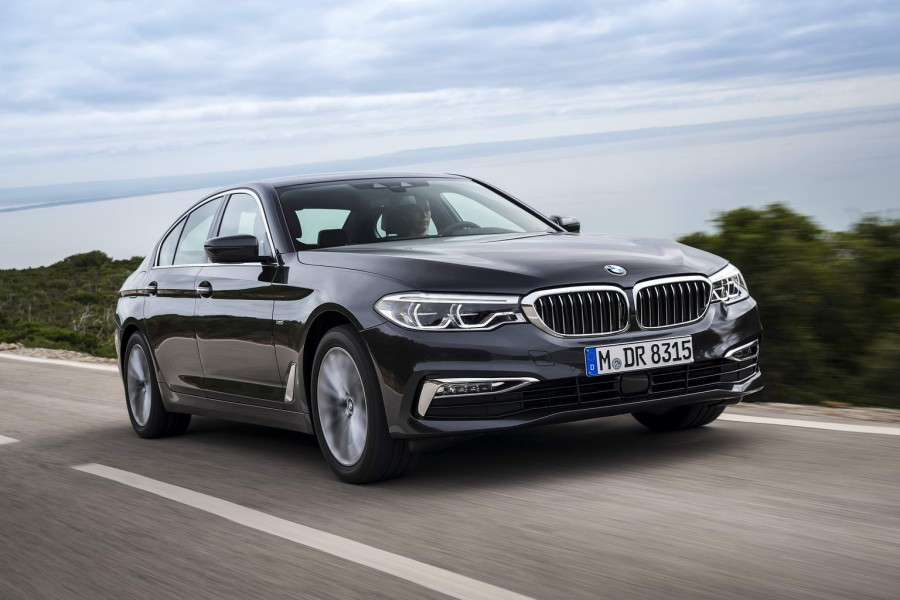 Car Reviews | BMW 530d xDrive | CompleteCar.ie