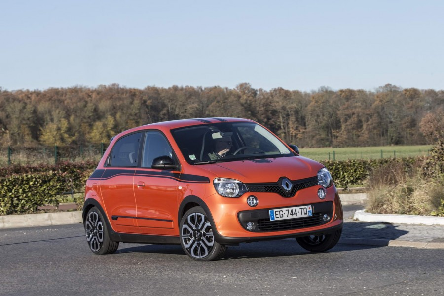 Car Reviews | Renault Twingo GT | CompleteCar.ie