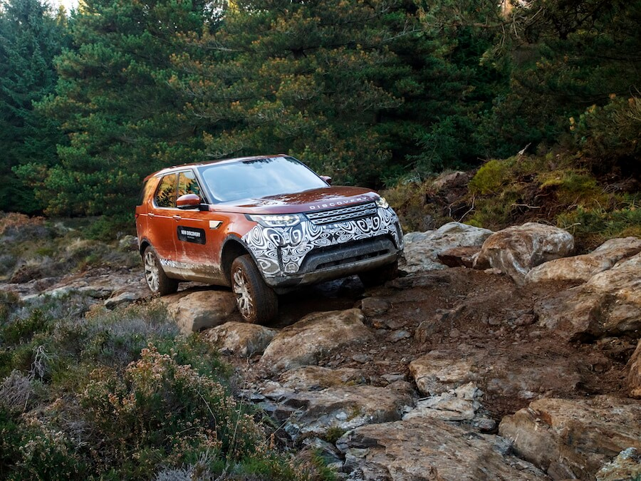 Car Reviews | Land Rover Discovery | CompleteCar.ie