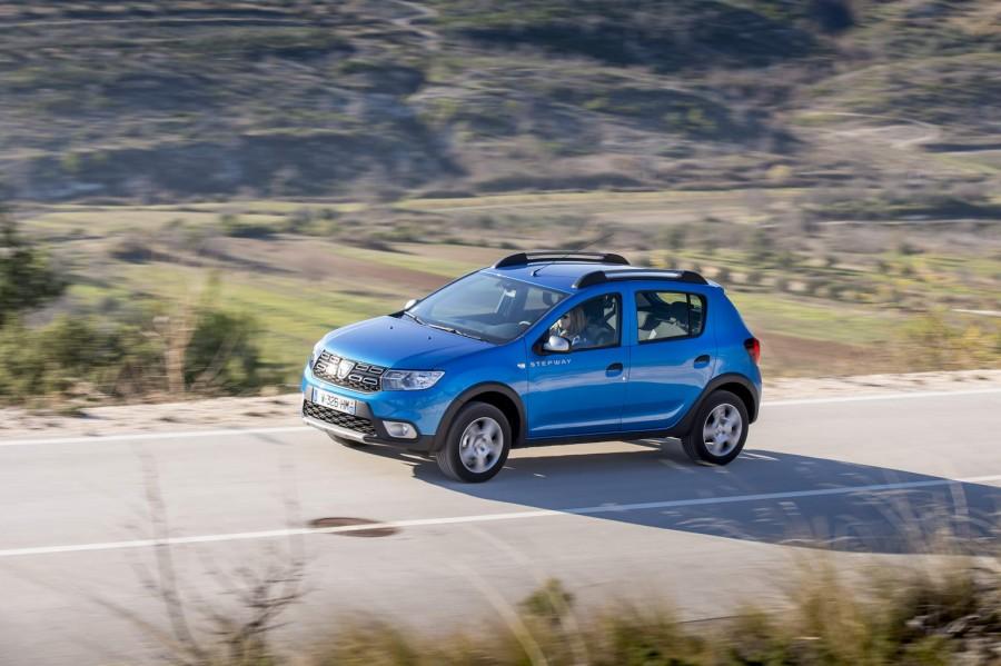 Car Reviews | Dacia Sandero Stepway | CompleteCar.ie
