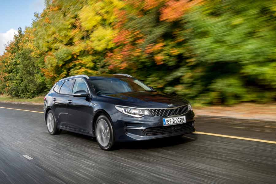 Car Reviews | Kia Optima Sportswagon | CompleteCar.ie