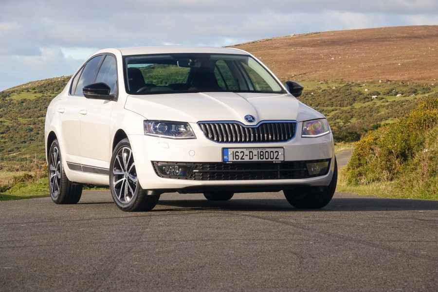 Car Reviews | Skoda Octavia 1.0 TSI | CompleteCar.ie