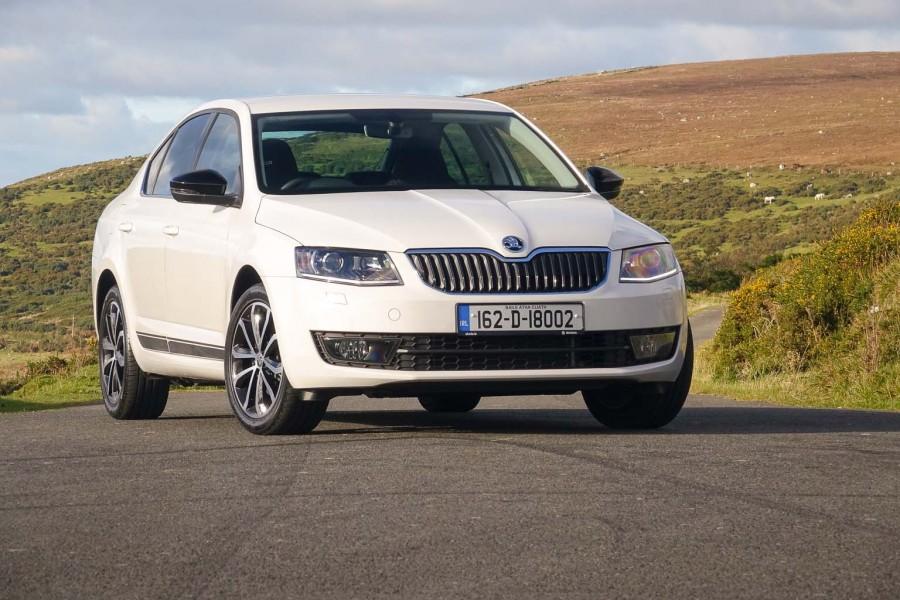 Car Reviews | Skoda Octavia 1.0 TSI | CompleteCar.ie