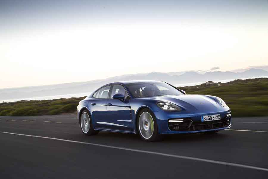Car Reviews | Porsche Panamera 4 E-Hybrid | CompleteCar.ie