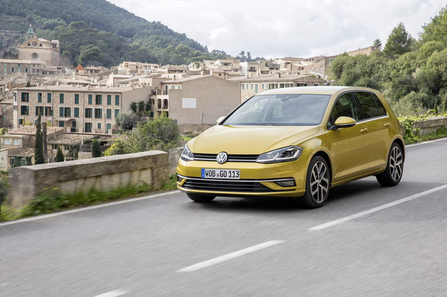 Car Reviews | Volkswagen Golf 1.5 TSI | CompleteCar.ie