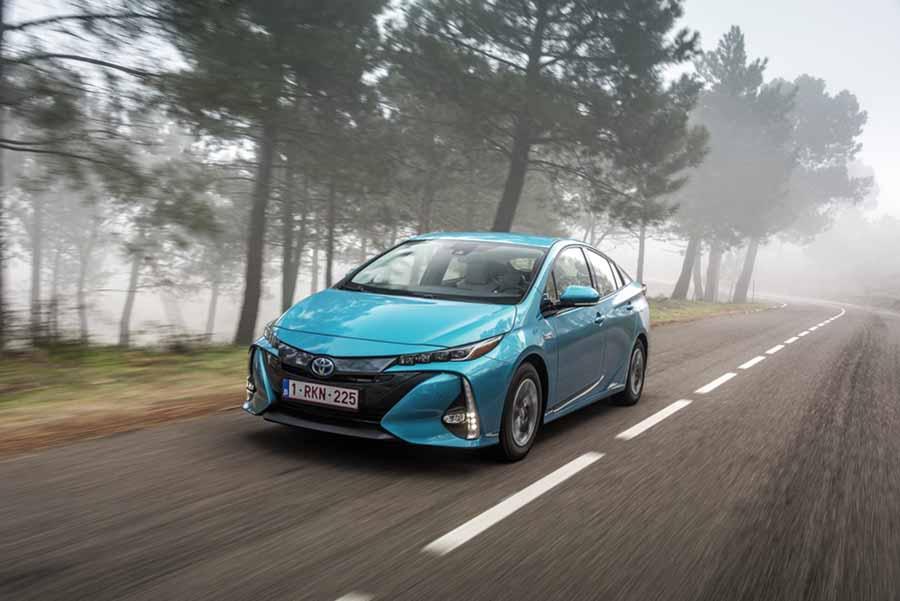 Elegant ... Toyota Prius Plug In Hybrid ...