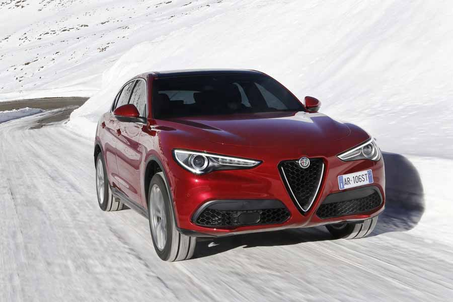 Car Reviews | Alfa Romeo Stelvio 2.2 Diesel Q4 | CompleteCar.ie
