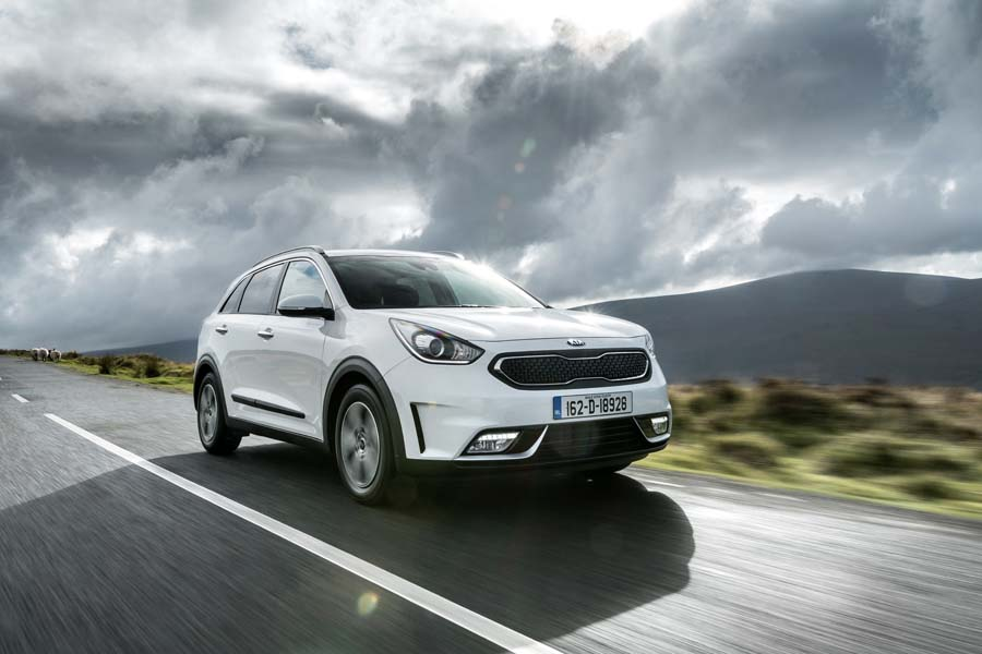 Car Reviews | Kia Niro | CompleteCar.ie