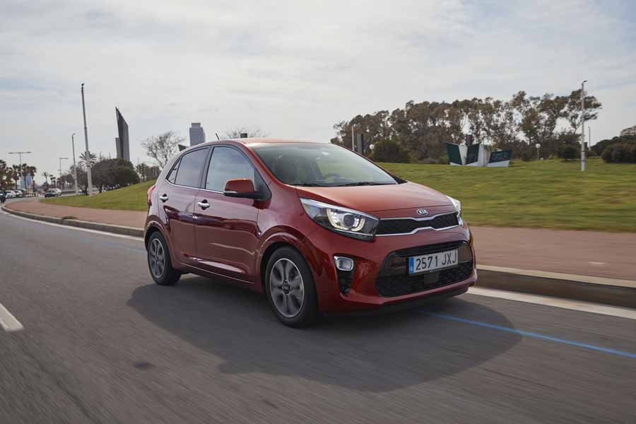 Car Reviews | Kia Picanto 1.0 MPI | CompleteCar.ie
