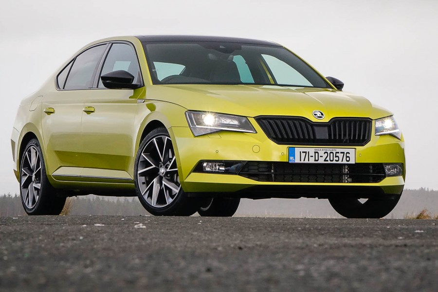 Car Reviews | Skoda Superb 2.0 TSI 280 4x4 Sportline | CompleteCar.ie
