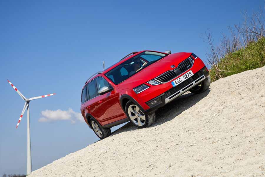 Car Reviews | Skoda Octavia Scout | CompleteCar.ie