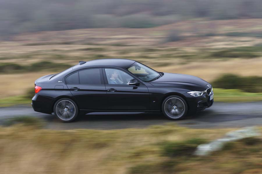 Car Reviews | BMW 330e Saloon | CompleteCar.ie